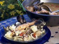 Fischeintopf mit Meeresfrüchten Rezept