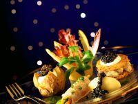 Fischröllchen mit Kartoffeln und Kaviar