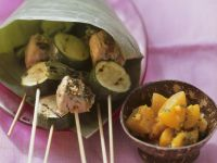 Fleisch-Zucchini-Spieße vom Grill mit Aprikosen-Ingwer-Kompott Rezept