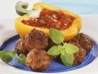 Fleischbällchen mit Tomatendip Rezept