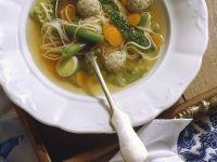 Fleischklößchen in Gemüsebrühe Rezept