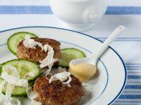 Fleischpflanzerl mit Senf und Meerrettich Rezept