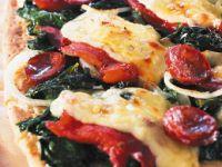 Focaccia mit Jarlsberg, Chorizo und Spinat