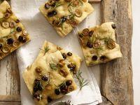 Focaccia mit Oliven und Rosmarin Rezept