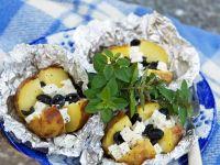 Folienkartoffeln mit schwarzen Oliven und Feta Rezept