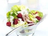 Frischer Kopfsalat mit Himbeeren und Minze Rezept