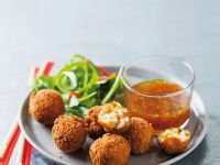 Frittierte Fischbällchen mit Chili-Tee-Dip Rezept