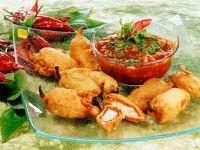 Frittierte Paprika mit Käsefüllung