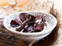 Frittierte Rote-Bete-Scheiben mit Joghurtdip Rezept