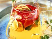 Fruchtbowle mit Erdbeeren, Ingwer, Limetten und Zitronengras Rezept