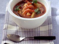 Fruchtige Tomatensuppe mit Garnelen Rezept