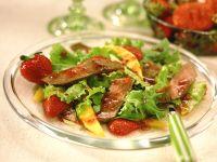Fruchtiger Blattsalat mit Roastbeef Rezept