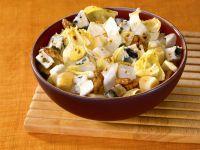 Fruchtiger Chicoréesalat mit Käse Rezept