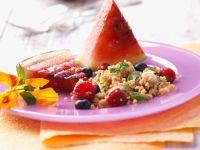 Fruchtiger Kuskus-Salat mit gegrillter Wassermelone