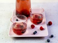 Fruchtiger Hagebutten-Eistee Rezept