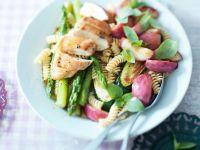 Nudel-Gemüse-Salat mit Hähnchenbrust Rezept
