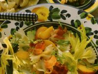 Fruchtiger Nudelsalat mit Speck Rezept