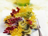 Fruchtiger Radicchio-Endiviensalat mit Kürbis