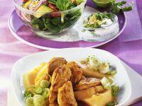 Fruchtiges Hähnchen mit Lauch und Salat