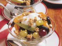 Fruchtsalat mit Müsli Rezept
