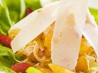 Fruchtsalat mit Parmesan Rezept