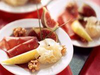 Früchte mit Käse und Schinken Rezept