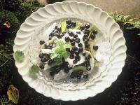 Früchte mit Kokos und Schlagsahne Rezept