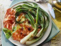 Frühlingszwiebel-Tomatensalat Rezept