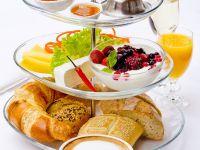 Frühstück französicher Art mit Kaffee Rezept