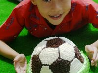 Fussball-Cremetorte Rezept