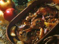 Gänsekeulen mit Linsen-Apfel-Gemüse Rezept
