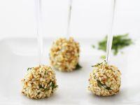 Gänseleber-Sesam-Bällchen Rezept