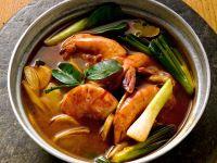 Garnelensuppe mit Lauchzwiebeln auf Thai-Art Rezept