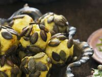 Gebacken Kartoffel-Kürbiskernbällchen Rezept