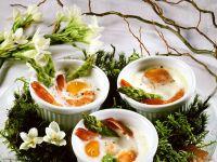 Gebackene Eier mit Shrimps und Spargel Rezept