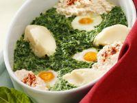 Gebackene Eier mit Spinat, Frischkäse und Püree Rezept