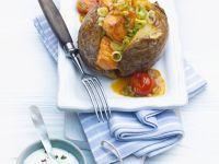 Gebackene Kartoffeln mit Lachs und Gemüse Rezept