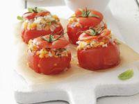 Gebackene Tomaten mit Reis und Linsen gefüllt Rezept