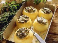 Gebackene Zwiebeln mit Kräuterfüllung Rezept
