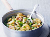 Gebratene Gnocchi mit Erbsen, Saubohnen und Minze Rezept