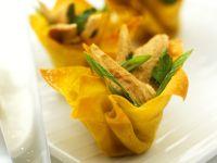 Gebratene Hähnchenbrust im Wan Tan-Körbchen Rezept