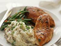 Gebratene Hähnchenbrust mit Püree und Bohnen Rezept