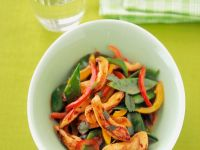 Gebratene Hähnchenstreifen mit Gemüse Rezept