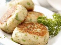 Gebratene Käse-Semmel-Frikadellen (Kasspressknödel) Rezept