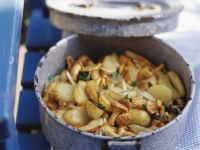 Gebratene Kartoffeln mit Pfifferlingen Rezept