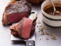 Gebratene Steaks mit pikanter Sauce Rezept