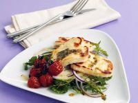 Gebratener Halloumi mit Salat Rezept