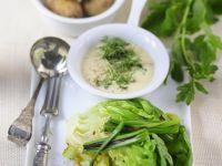 Gebratener Salat mit Kräuter-Vinaigrette und Kartoffeln Rezept