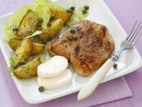 Gebratenes Hähnchenbrustfilet dazu Kartoffeln und Mozzarella Rezept