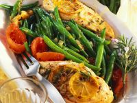 Gebratenes Hähnchenfilet mit Bohnen und Tomaten Rezept